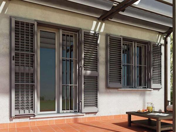 Showroominfissi un azienda che si occupa della - Costo finestre blindate ...